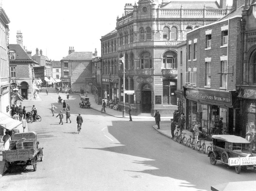 Nuneaton Market Place.  1920s |  IMAGE LOCATION: (Nuneaton Library)