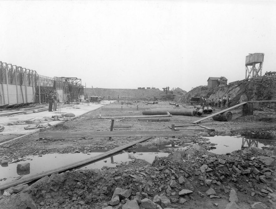 Reservoir under reconstruction at Tuttle Hill, Nuneaton.  1936 |  IMAGE LOCATION: (Nuneaton Library)