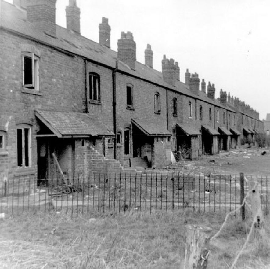 Sunnyside, Croft Road, Nuneaton.  Old property before demolition.  2 views.  1950s |  IMAGE LOCATION: (Nuneaton Library)