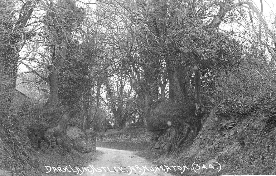 Dark Lane,  Astley.  1900s |  IMAGE LOCATION: (Warwickshire County Record Office)