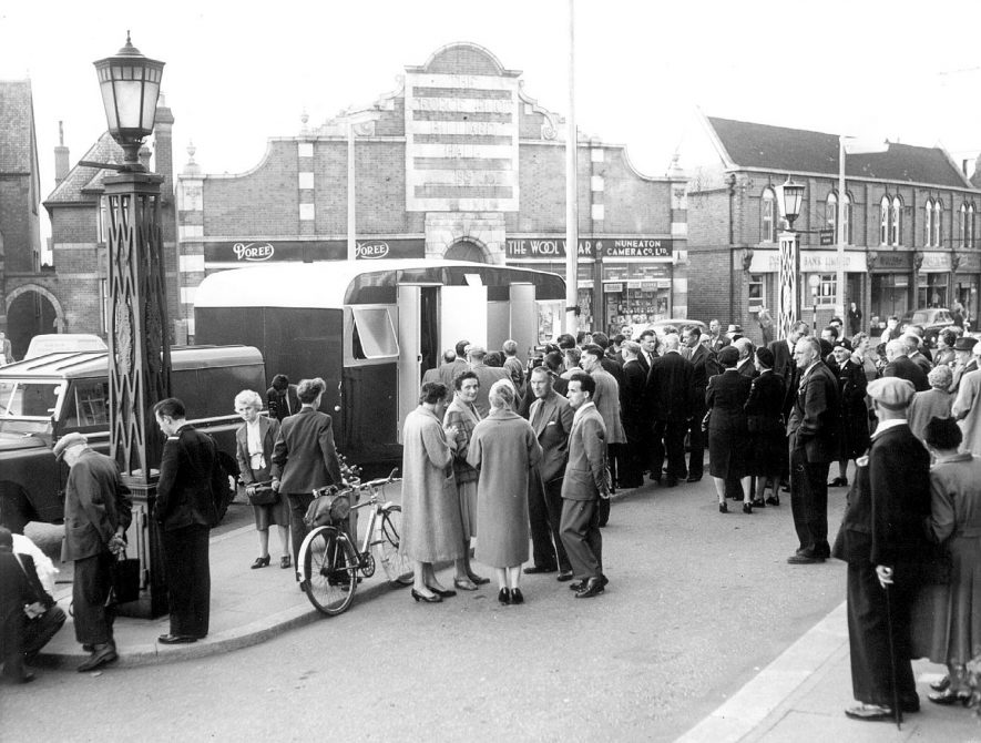 Mobile X-ray Unit situated outside the Council House.  1950s |  IMAGE LOCATION: (Nuneaton Library)