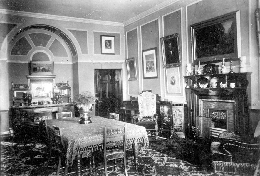 Victorian dining room in 1905 |  IMAGE LOCATION: (Nuneaton Library)