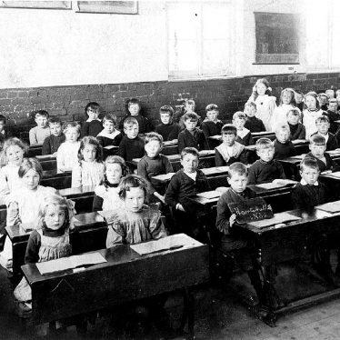 Hartshill.  School class 2