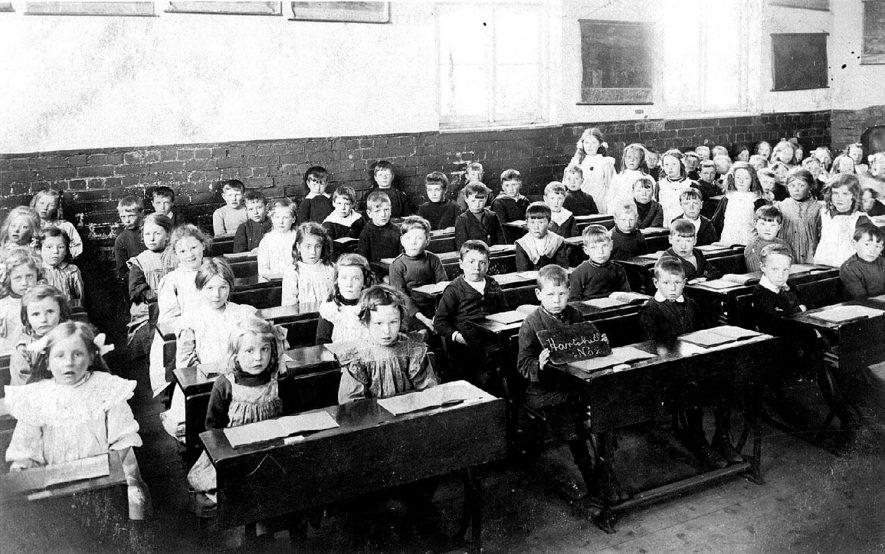 Pupils of Class 2 at Hartshill School.  1910s |  IMAGE LOCATION: (Nuneaton Library)