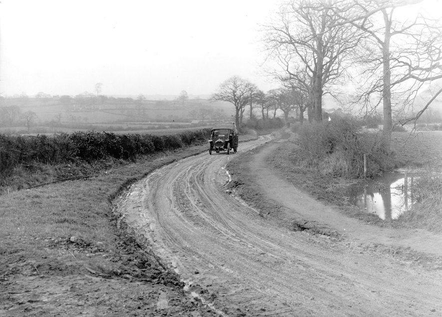 Road works, Ansley.  1925 |  IMAGE LOCATION: (Nuneaton Library)