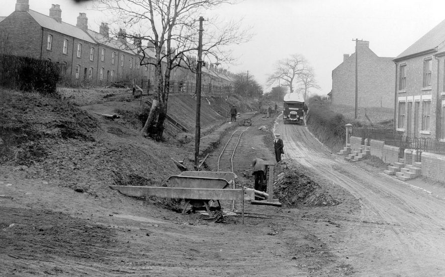 Road repairs, Ansley.  1925 |  IMAGE LOCATION: (Nuneaton Library)