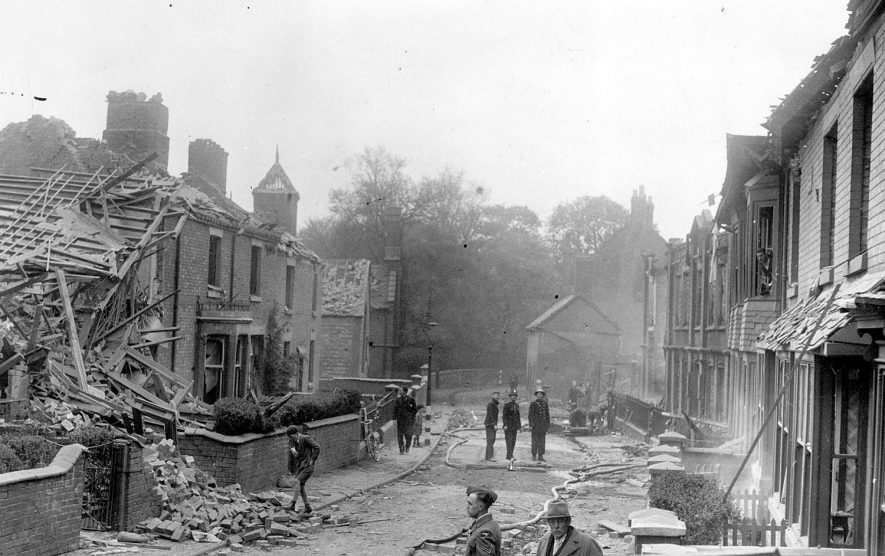 Bomb damaged houses in Vicarage Street, Nuneaton.  17 May 1941 |  IMAGE LOCATION: (Nuneaton Library)