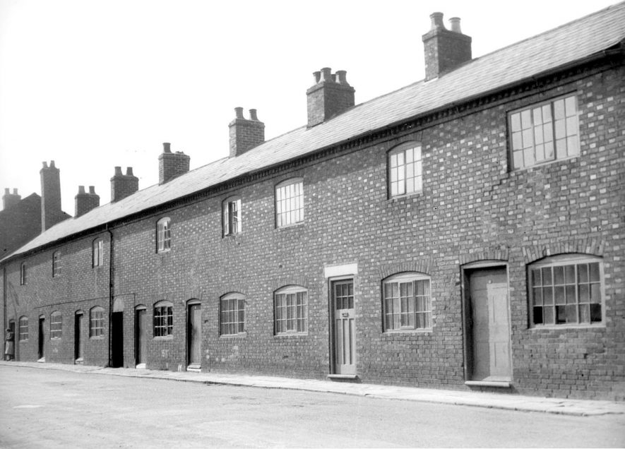 Roadway Cottages, Bedworth.  1920s |  IMAGE LOCATION: (Bedworth Library)