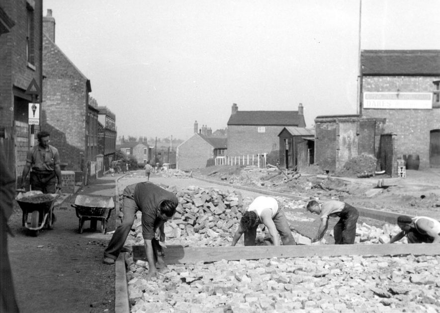 Road works in Bedworth.  1950s |  IMAGE LOCATION: (Bedworth Library)