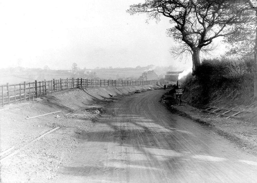 Lane with distant view of Stockingford, Galley Common, Nuneaton.  1930s    IMAGE LOCATION: (Nuneaton Library)