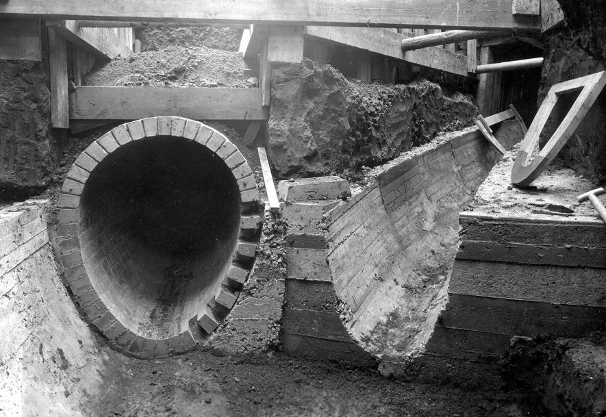 Construction of new main sewer through Nuneaton town centre.  1928 |  IMAGE LOCATION: (Nuneaton Library)