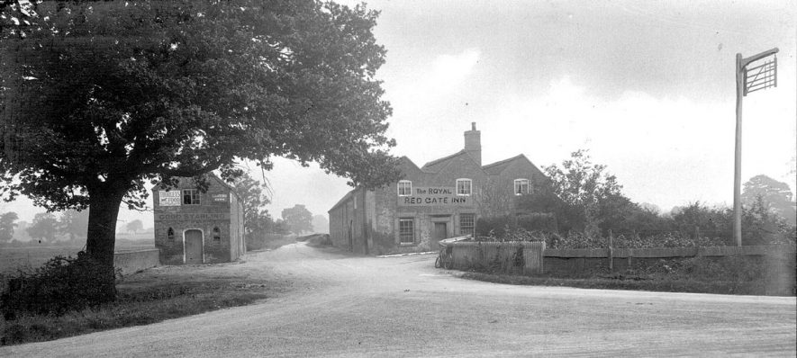 The Red Gate Inn on Watling Street, Fenny Drayton.  1900s |  IMAGE LOCATION: (Nuneaton Library)
