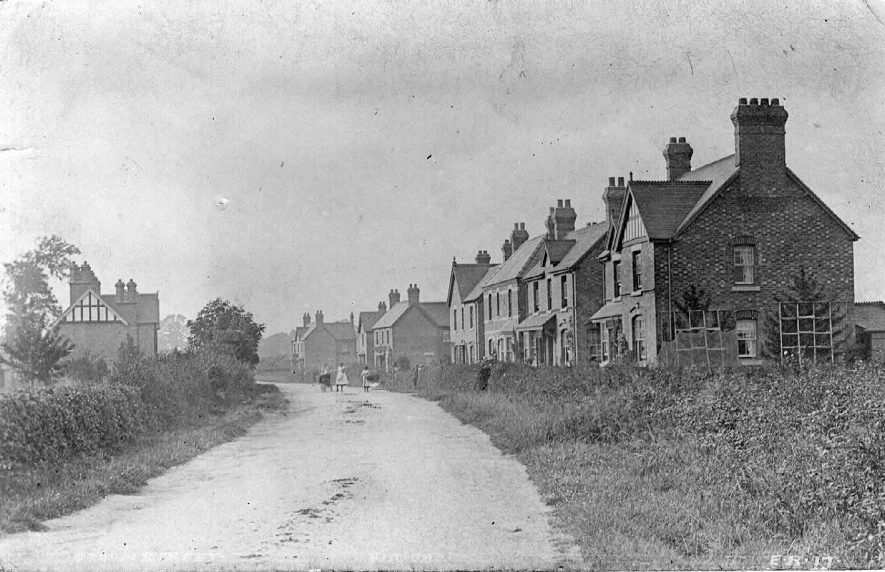 Broom Street, Bidford on Avon.  1910s |  IMAGE LOCATION: (Warwickshire County Record Office)