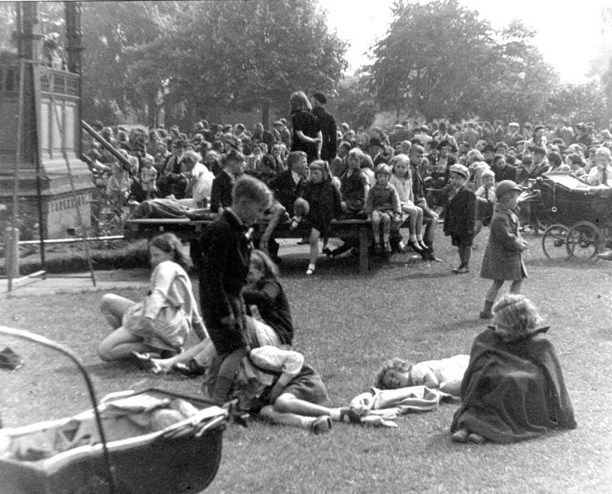 Large group of children in Riversley Park celebrating V.E. day on May 8th 1945. |  IMAGE LOCATION: (Nuneaton Library)