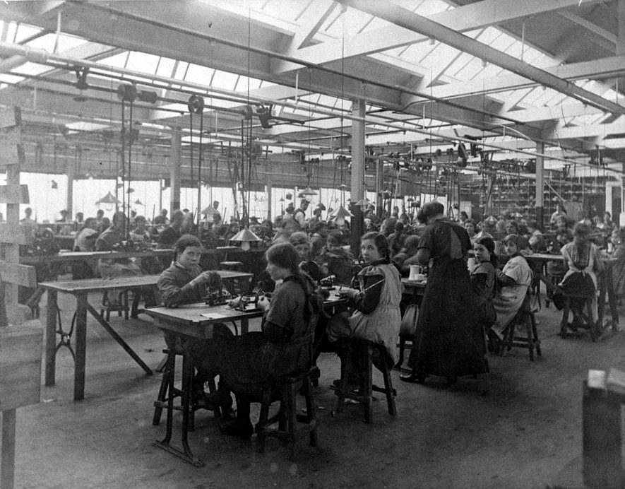 Tansey's factory in Corporation Street, Nuneaton. The firm began in 1886 making 'latch needles' for hosiery manufacturers. After 1914 most of the employees were young girls. The normal weekly output in the 50s was 150,000 needles. The factory was bought in 1957 by NCB.  1910s |  IMAGE LOCATION: (Nuneaton Library) IMAGE DATE: (c.1910)