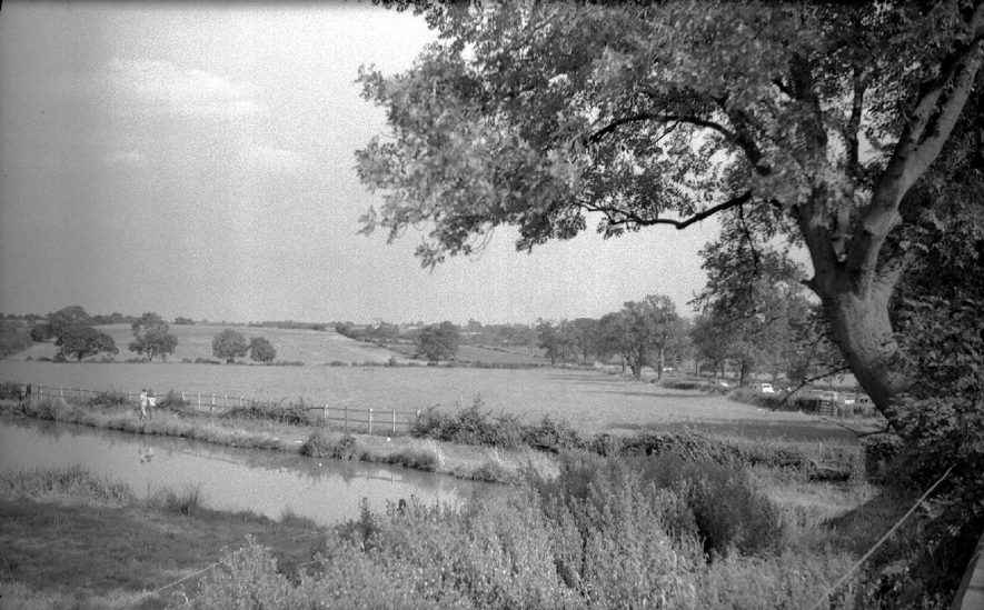 View of the Oxford canal taken from the bridge at Ansty.  1961 |  IMAGE LOCATION: (Warwickshire County Record Office)