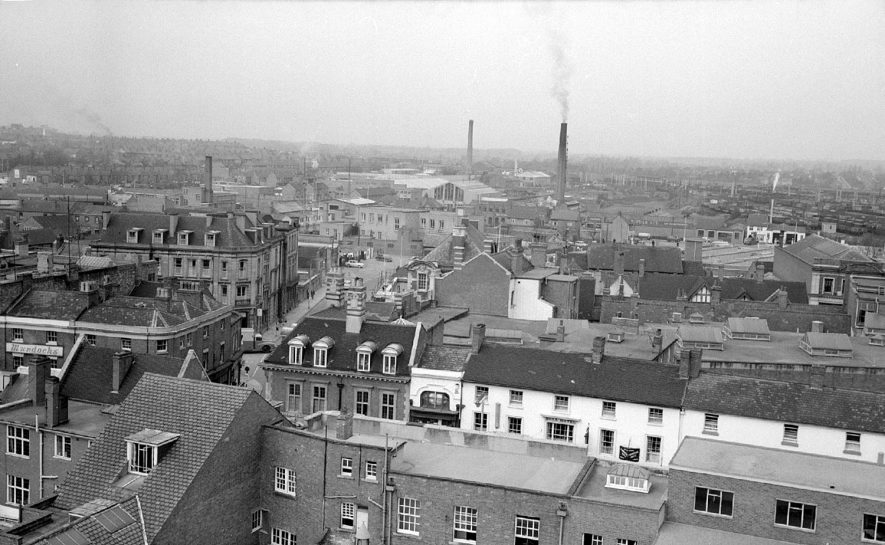 View from the top of Nuneaton Flour Mills in Church Street, looking towards the Harefield Road.  The Newdegate Arms Hotel is in the left centre.  1962 |  IMAGE LOCATION: (Warwickshire County Record Office)