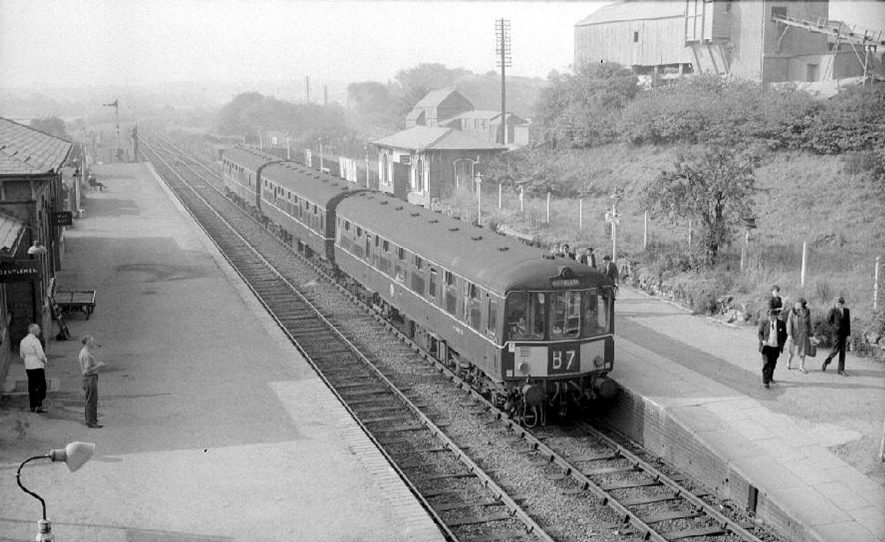 Abbey Street railway station, Nuneaton.  September 27th 1964 |  IMAGE LOCATION: (Warwickshire County Record Office)