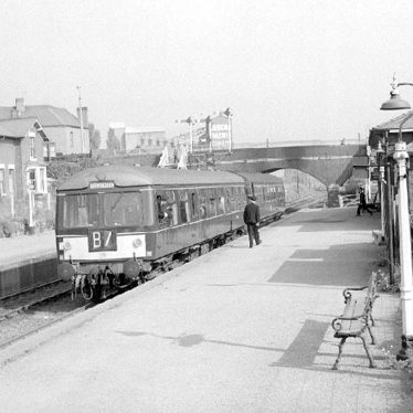 Nuneaton.  Railway Station