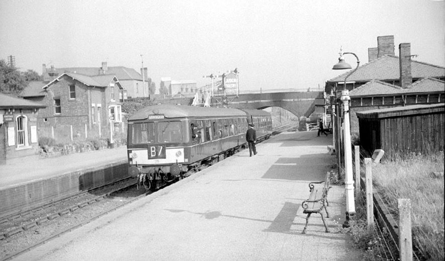 Abbey Street railway station, Nuneaton.  October 4th 1964 |  IMAGE LOCATION: (Warwickshire County Record Office)