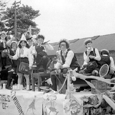 Nuneaton.  Carnival procession