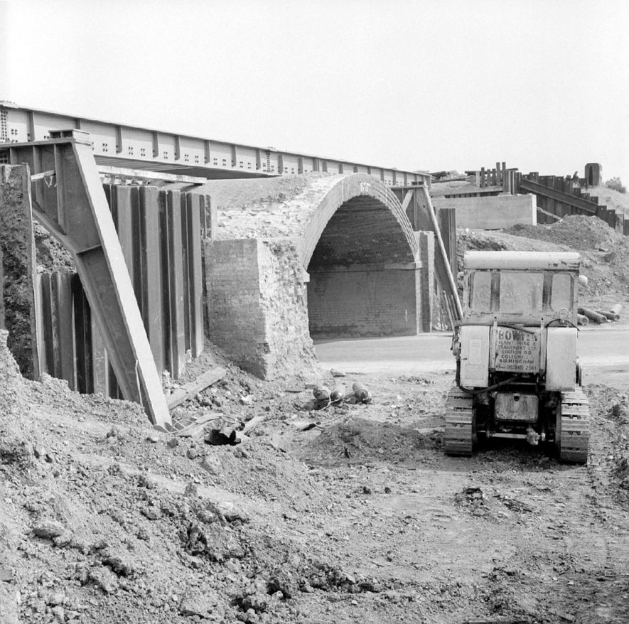 Construction of new railway bridge, Weddington Road, [Leicester Road], Nuneaton.  August 28th 1966 |  IMAGE LOCATION: (Warwickshire County Record Office)