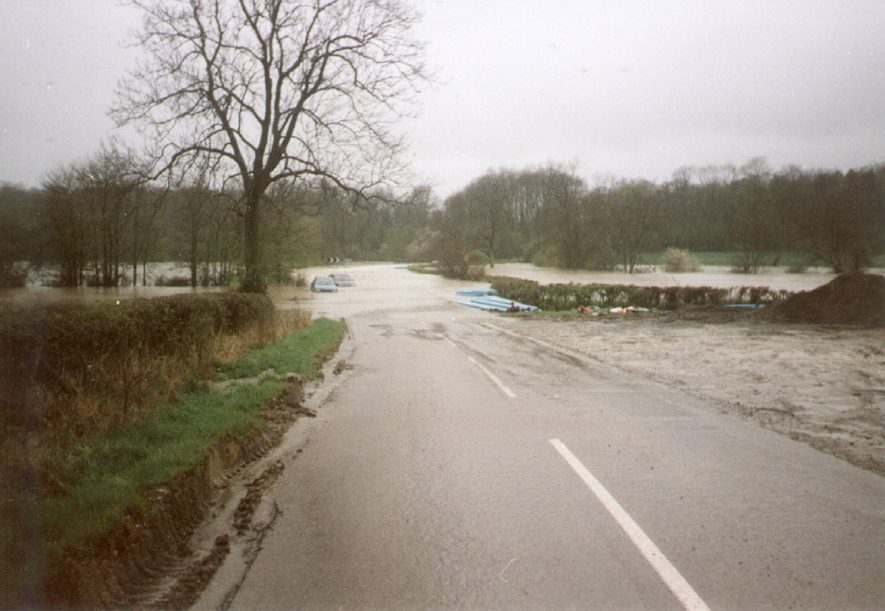 View of flooding at Southam.  10 April 1998. |  IMAGE LOCATION: (Southam Library)