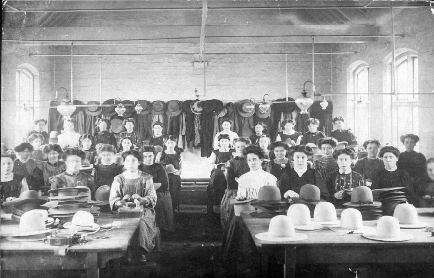 Female workers at Luckman & Pickering's Leicester Street hat factory, Bedworth.  1900s |  IMAGE LOCATION: (Warwickshire County Record Office)