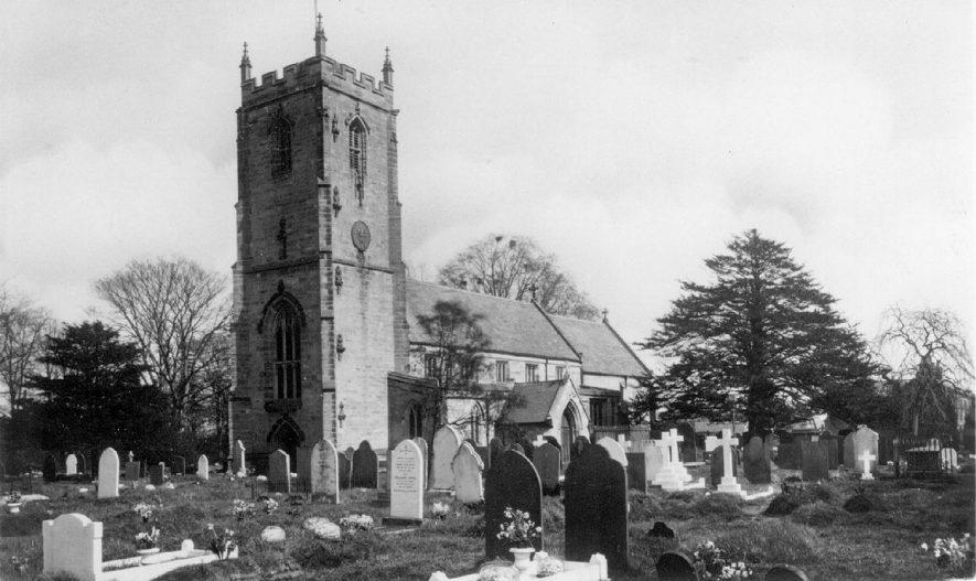 St James Church and churchyard, Bulkington.  1920s    IMAGE LOCATION: (Warwickshire County Record Office)