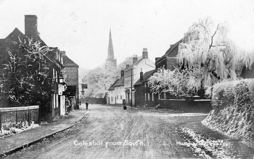 View of Coleshill from the south with the church in the background.  1910s |  IMAGE LOCATION: (Warwickshire County Record Office)