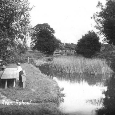 Ashow.  River Avon