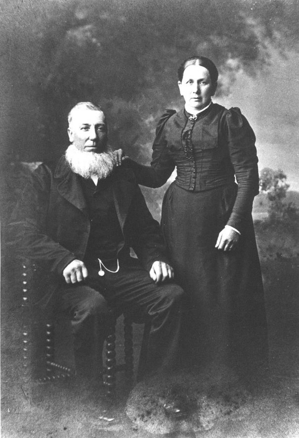 John Stain and wife, family portrait, Arley.  1890s |  IMAGE LOCATION: (Warwickshire Museums. Photographic Collections.) PEOPLE IN PHOTO: Stain, Mrs John, Stain, John