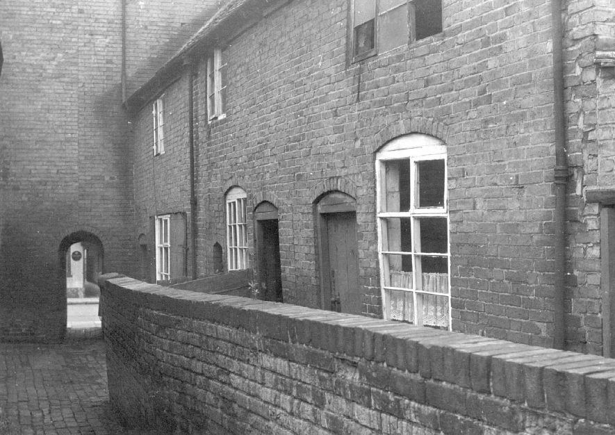 View of part of the rear of No 28, Long Street, Atherstone.  1950s |  IMAGE LOCATION: (Warwickshire Museums. Photographic Collections.)