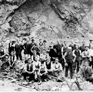 Nuneaton.  Midland Quarry and workers