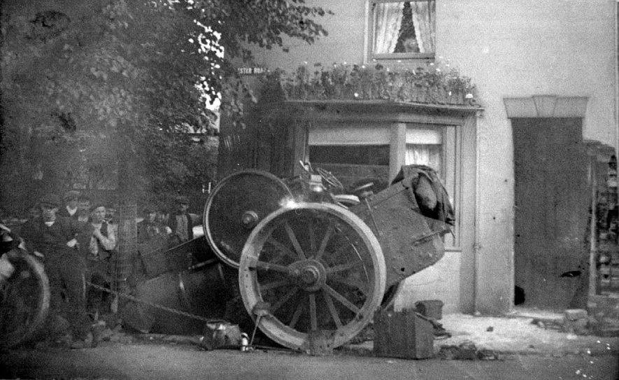 Collapsed steamroller in Ester Road, Nuneaton.  1900s |  IMAGE LOCATION: (Warwickshire Museums. Photographic Collections.)