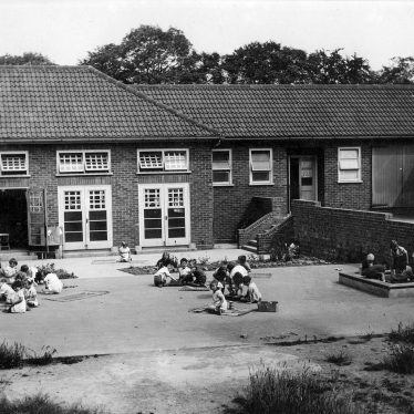Hartshill.  Infants School