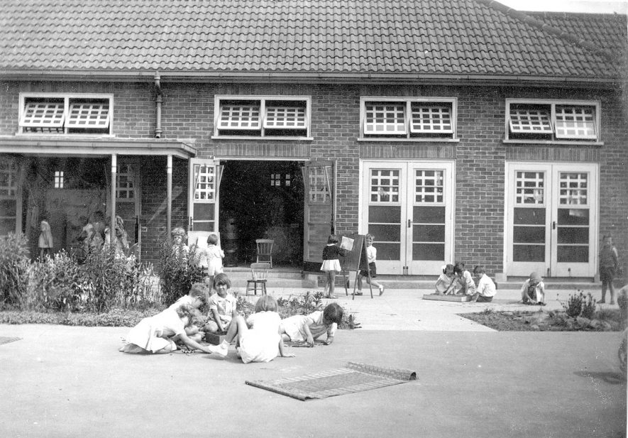 Group of children outside Hartshill Infants school.  1941 |  IMAGE LOCATION: (Warwickshire County Record Office)