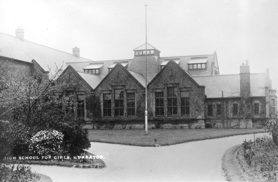 Nuneaton High School for girls (built 1909).  1910s |  IMAGE LOCATION: (Warwickshire County Record Office)