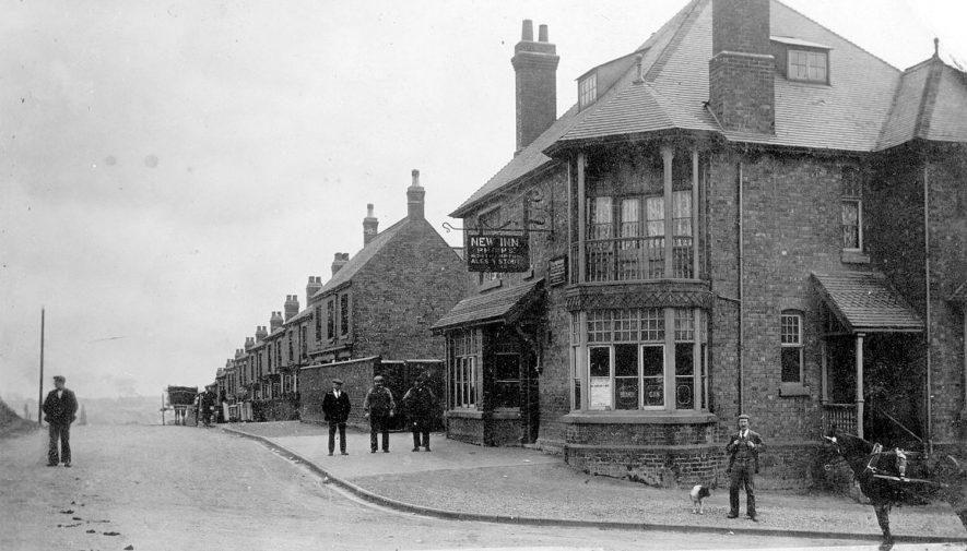 New Inn & Bucks Hill, Chapel End, Nuneaton.  1900s |  IMAGE LOCATION: (Warwickshire County Record Office)