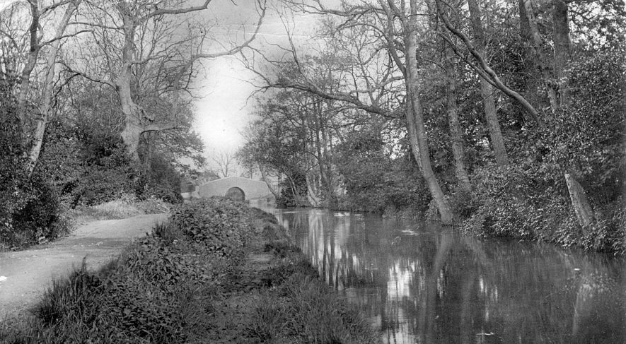 The canal at Griff Hollows, Nuneaton.  1918 |  IMAGE LOCATION: (Warwickshire County Record Office)