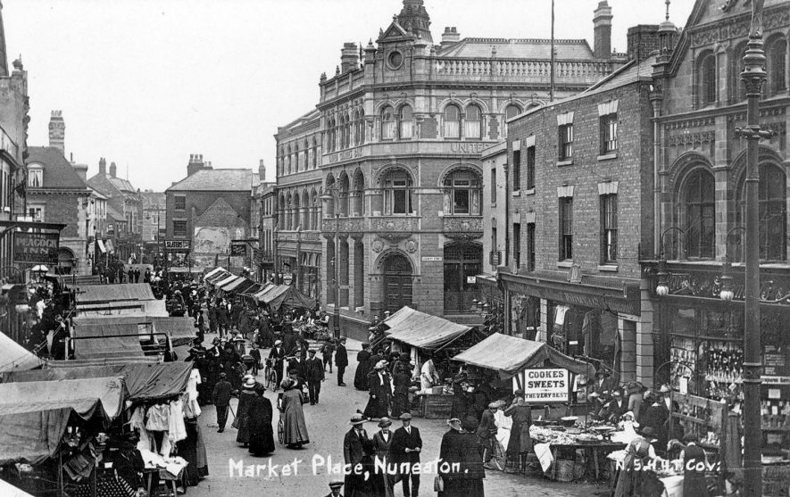 Nuneaton Market Place on market day.  1910s |  IMAGE LOCATION: (Warwickshire County Record Office)