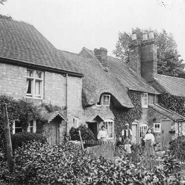 Ashorne.  Cottages and their occupants