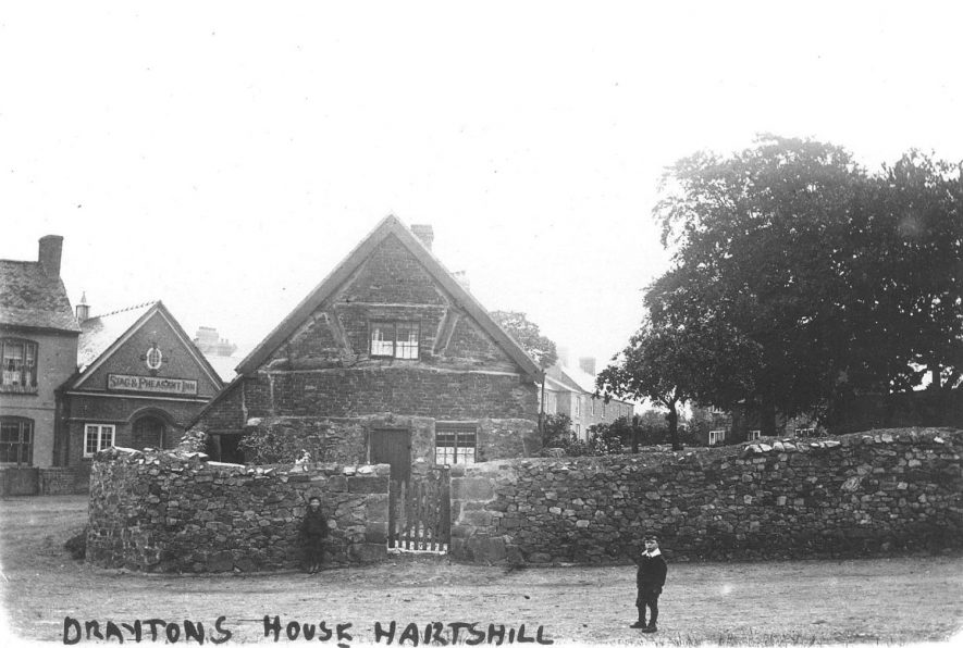 Draytons House, Hartshill. The Stag and Pheasant Inn in the background.  1900s  Michael Drayton wrote, among other works, <i>Poly-Olbion</i>.  [See exhibition] |  IMAGE LOCATION: (Warwickshire County Record Office)