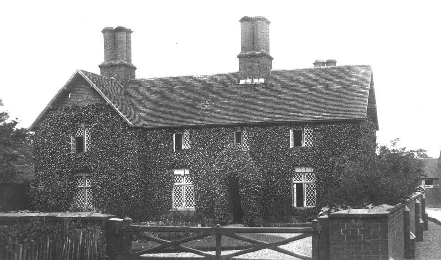 The Vicarage, Lea Marston.  1910s |  IMAGE LOCATION: (Warwickshire County Record Office)