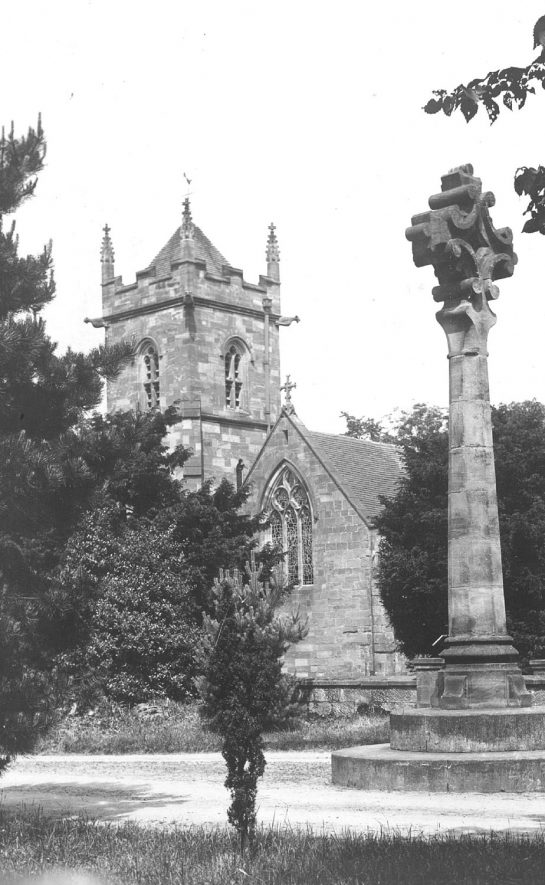 Lea Marston church and churchyard cross.  1900s |  IMAGE LOCATION: (Warwickshire County Record Office)