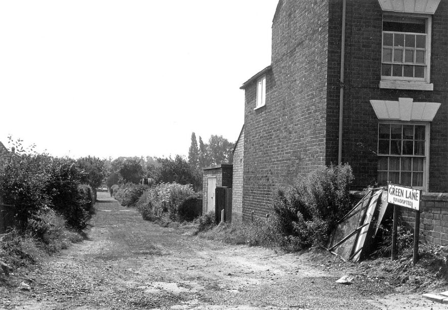 Green Lane (unadopted), Warwick.  1960s | IMAGE LOCATION: (Warwickshire County Record Office)