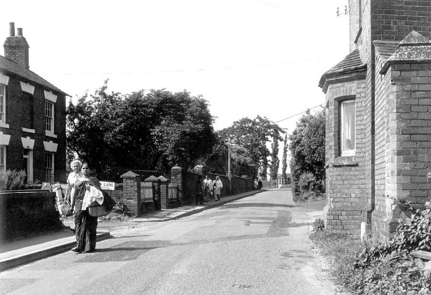 Lakin Road, Warwick, approaching the hospital entrance.  1960s | IMAGE LOCATION: (Warwickshire County Record Office)