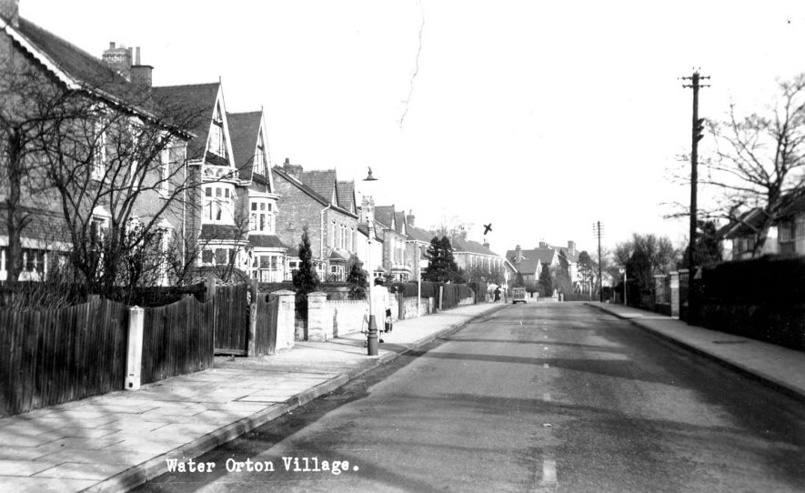 A view down one of the streets of Water Orton.  1940s |  IMAGE LOCATION: (Warwickshire County Record Office)