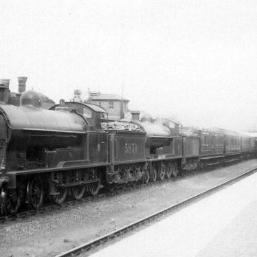 """Shilton.  L.N.W.R. 4-6-0 """"Renown"""" express train"""
