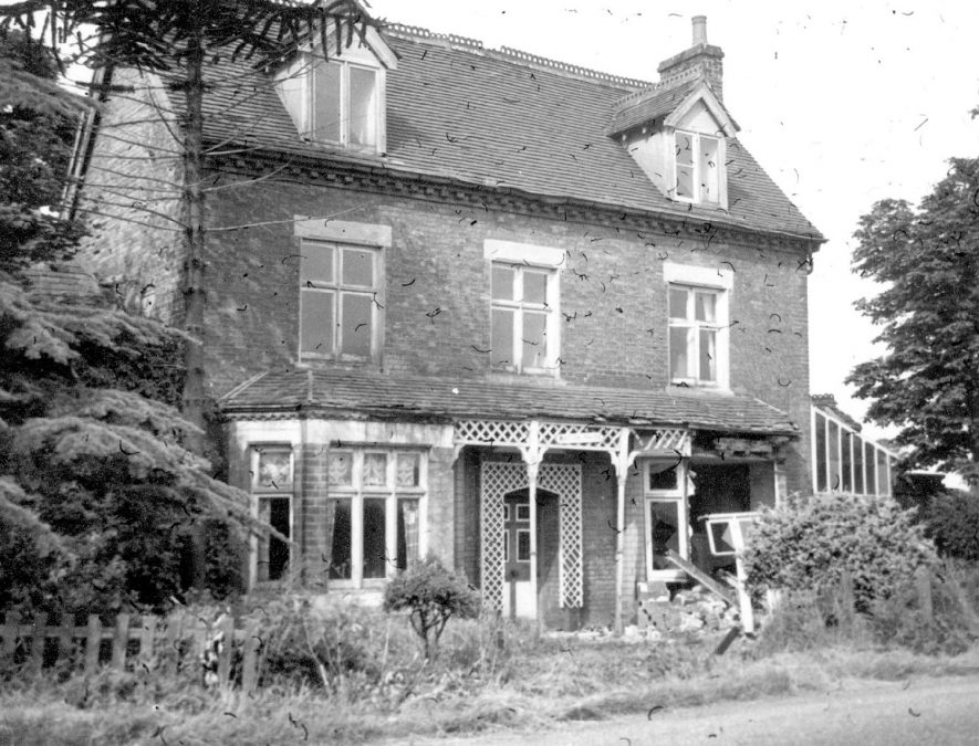 Watton House, Lichfield Road, Water Orton which was demolished in 1959.    IMAGE LOCATION: (Warwickshire County Record Office)
